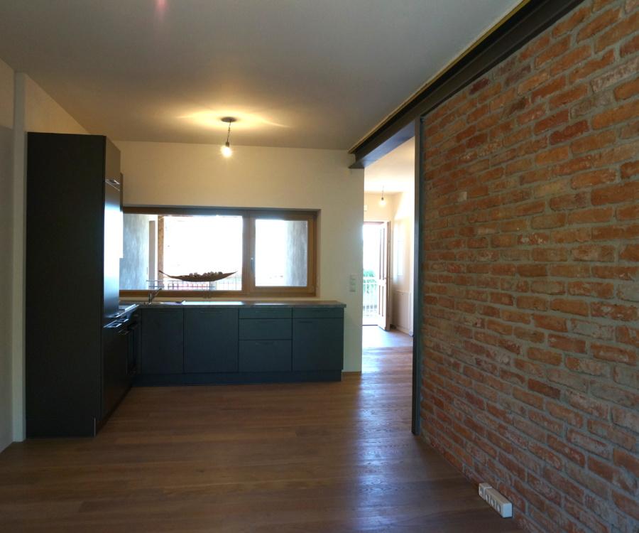 PV_Küche_Ziegelmauer