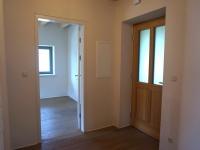 EIII_Eingangsbereich mit Zugang zum Zimmer