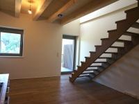 EV_Wohn-Essbereich mit Zugang zum Balkon
